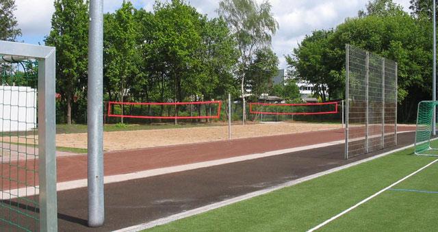 Sportplatz neben der großen Sporthalle