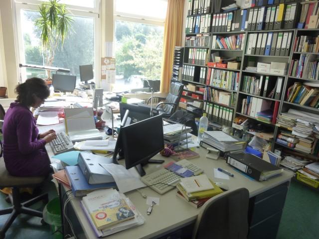 Ein Arbeitsplatz für jede Lehrkraft – am Goethe-Gymnasium verwirklicht. Die Ganztagsschule für Schüler UND Lehrer.