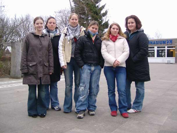 Claudia Herbolzheimer, Katharina Jacob, Valeska Stüben, Laura Burmeister, Lisa Donat, Yvonne Jäger. Wo ist denn nur Magdalena Sieg?