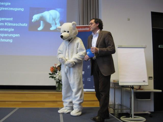 Dr. Uwe Heinrichs