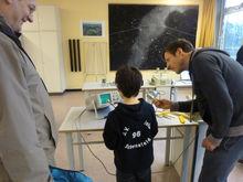 Mitmachexperimente in der Physik unter fachundiger Anleitung
